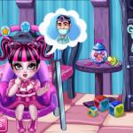 Draculaura fogaszatra indul Monster high játék